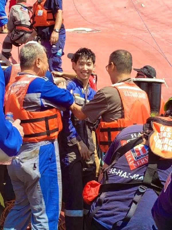 Abd'de devrilen kargo gemisindeki 4 mürettebattan 3'ü kurtarıldı