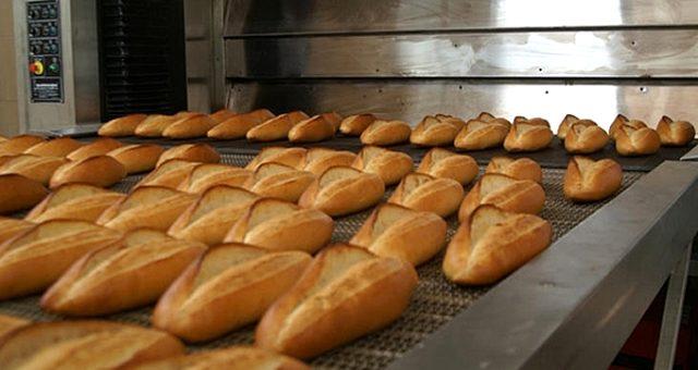 Bursalı fırıncı 1,5 lira olan ekmeğin fiyatını 1 liraya düşürdü