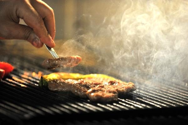 İnegöl köftesi, lezzeti ile 125 yıldır sofraları süslüyor