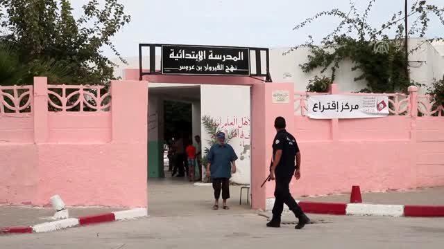 Tunuslular cumhurbaşkanlığı seçimi için sandık başında - Nahda Hareketi Lideri Gannuşi